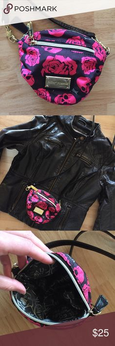 Betsey Johnson black+hot pink skulls+roses purse Betsey Johnson black+hot pink skulls+roses cross body purse. Perfect size for phone, keys, and a small wallet. Gently used and loved. Betsey Johnson Bags Shoulder Bags