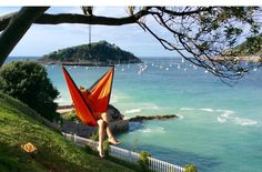 Discover a thousand new ways where hammocks let you down. KINUU is set up in just one minute!