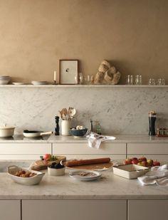amazing marble splashback with one shelf Home Interior, Kitchen Interior, Interior Design, Eclectic Kitchen, Zara Home Kitchen, Coastal Interior, Interior Plants, Design Kitchen, Deco Design