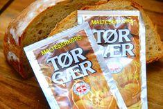 Bageskole: Sådan bruger du tørgær til bagning via Bread Recipes, Snack Recipes, Bread Baking, Pop Tarts, Good To Know, Food Inspiration, Bakery, Chips, Cooking