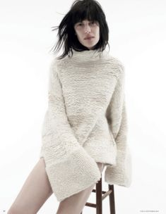 Knitted sweater, nice collar and texture Knitwear Fashion, Knit Fashion, Fashion Looks, Knit Art, How To Purl Knit, Lookbook, Knitting Designs, Mode Style, A Boutique