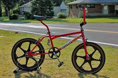 1988 Dyno Detour in red/black Bmx Bicycle, Bmx Bikes, Bmx Bandits, Haro Bmx, Gt Bmx, Bmx Cruiser, Bmx Freestyle, Mini Bike, Classic Bikes