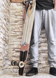 Those sweats Long Skate, Skate Surf, Skateboard Pictures, Skater Outfits, Summer Surf, Skateboards, Snowboarding, Surfboard, Surfing