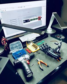 Desk to work . #bionic #robot #design #DIY #industrialdesign #prosthetics #instagood #3dprint #follow #3D #3dmodel #cosplay #cyborg #mechatronics #medical #beautiful #technology #amazing #style #cool #ironman #maker #arduino #RaspberryPi #mechanics #animation #look #instagood #selfie #love #inspiration