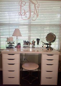 Makeup vanity using ikea Alex drawers Vanity Room, Vanity Decor, Diy Vanity, Vanity Ideas, Closet Vanity, Vanity Shelves, Ikea Alex Dupe, Alex Drawer Dupe, Clear Acrylic Makeup Organizer