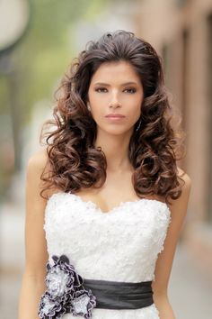 Indian Bridal Hairstyle. Best bridal hairstyle for Indian women, New hairstyles for Indian women. #newhairstyles #bridalhairstyle