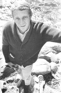 """Terrence Steven """"Steve"""" McQueen (March 1930 – November was an American movie actor nicknamed """"The King of Cock."""" The drama of Steve McQueen's life far surpassed anything dick here Steeve Mac Queen, William Claxton, Steve Mcqueen Style, Der Gentleman, Nostalgia, Men Looks, Cool Kids, Movie Stars, Men Sweater"""