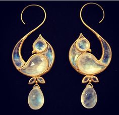 Stunning bird earrings. Wtf?!?? I can't get over these. Deeply in love.