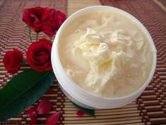 Misha Beauty - my world: Facial miosturizer with rose Homemade Cosmetics, Natural Cosmetics, Facial, Soup, Ethnic Recipes, Desserts, Beauty, Fitness, Blog