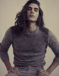 Long hair for men is certainly in style but there are considerations men will need to make when deciding to grow out their hair. It is common for men to worry if it is high maintenance. Beautiful Boys, Gorgeous Men, Pretty Boys, Beautiful People, Vito Basso, Ex Machina, Grunge Hair, Male Face, Itachi
