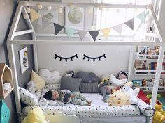 Soninho gostoso depois do almoço. A cama casinha, montessori é da ? E tenho DUAS noticias mara! Girls Bedroom Sets, Baby Bedroom, Baby Boy Rooms, Baby Room Decor, Girl Bedrooms, Girls Room Design, Kids Bedroom Designs, Baby Room Design, Bedroom Ideas