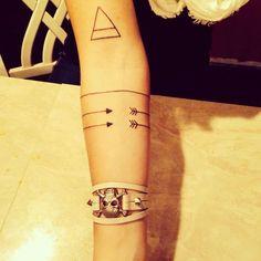 Henna Arrow Tattoo On Arm photo - 1