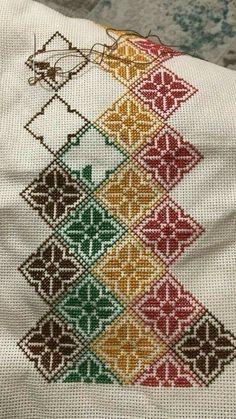 1 million+ Stunning Free Images to Use Anywhere Biscornu Cross Stitch, Cross Stitch Pillow, Cross Stitch Borders, Cross Stitch Flowers, Cross Stitch Designs, Cross Stitching, Cross Stitch Patterns, Hand Embroidery Stitches, Hand Embroidery Designs