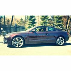 Who likes the color of this #audia5 ?#merlinpurple #audi #audipic #purplecar #a5 #uniquecar #purpleaudi #awesomecolor