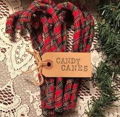 12 Christmas Tartan Plaid Homespun Fabric Candy Canes Primitive Ornaments Much – Christmas and Winter – Candy Cane – Candy Cane Tartan Christmas, Plaid Christmas, Diy Christmas Ornaments, Outdoor Christmas, Winter Christmas, Handmade Christmas, Holiday Crafts, Vintage Christmas, Christmas Wreaths