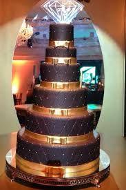 bolo preto e dourado - Pesquisa Google
