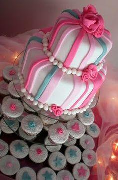 Tarta de Boda con torre de cupcakes