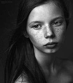 Love her freckles ^.^