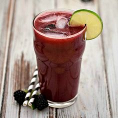 Blackberry Limeade - a refreshing summer drink with blackberries and limes