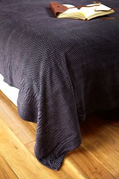 Zig Zag chenille beautiful ethnic design from South African company Mungo. Cotton Blankets, Soft Blankets, Ethnic Design, Ethnic Style, Zig Zag Pattern, Bed Sizes, Ethnic Fashion, Textiles, African