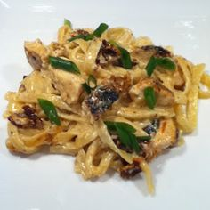 I& not much of a pasta fan, but this recipe was so awesome I even had seconds! It& Guy Fieri& recipe for Cajun Chicken Alfredo , and it& Pasta Recipes, Chicken Recipes, Cooking Recipes, Wing Recipes, Pasta Dishes, Food Dishes, Main Dishes, Blackened Chicken Alfredo, Creole Recipes