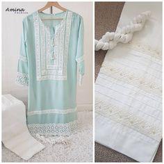 No photo description available. Simple Pakistani Dresses, Pakistani Fashion Casual, Pakistani Dress Design, Pakistani Outfits, Stylish Dress Designs, Stylish Dresses, Casual Dresses, Casual Wear, Dresses Dresses