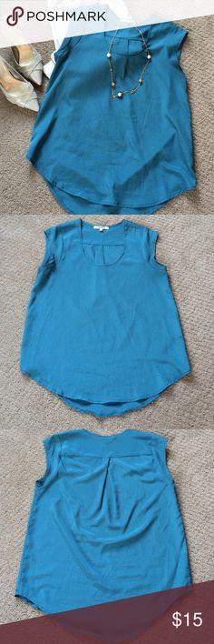 Daniel Rain Blouse Beautiful Daniel Rain blue/green blouse. Great condition. Size Medium. Armpit to armpit is 20 inches. Length is 28 inches. Daniel Rainn Tops Blouses