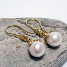 Gold and Pearl Drop Earrings – Unio Goldsmith Pearl Drop Earrings, Pearl Jewelry, Feminine, Gems, Pearls, Pearl Earrings, Women's, Rhinestones, Beads