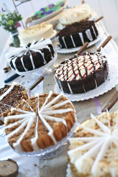 Wonderful cake buffet. I love the idea of pre-slicing the cakes and putting dividers!