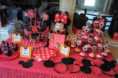 Minnie Mouse sweets table pt 1