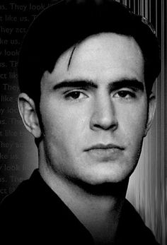 Jack Davenport. I had a huge thing for Commodore Norrington :x
