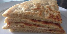 Oiii gente!!! Hoje venho com uma receita muito muito simples e super versátil, uma versão depão fácil sem glúten e sem lactose. Eu estou chamando de pão, mas ele parece um crepe, as vezes um tostex, as vezes uma versão modificada de pão sírio.. enfim hahahah! Não é aquele pão comum que estamos acostumados, que […]