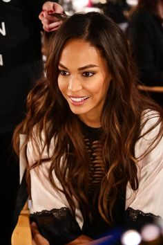 Joan Small Victoria Secret show Vs Fashion Shows, Joan Smalls, Model Face, Victoria Secret Fashion Show, Gorgeous Women, Beautiful Eyes, Pretty Hairstyles, Girl Crushes, Hair Beauty