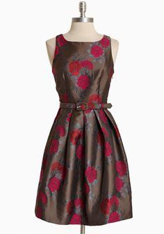 Starlette Rose Pleated Dress By Eva Franco   Modern Vintage Shop Refined Retro   Modern Vintage Features