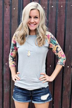 LuLaRoe Randy tee. I love these new vintage fabrics! Click to shop LuLaRoe and for more style inspiration and giveaways!