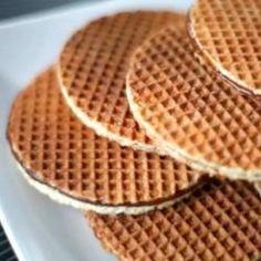 Stroopwafels (Dutch Waffles) recipe – All recipes Australia NZ Dutch Waffles, Crepes And Waffles, Waffle Recipes, Cookie Recipes, Dessert Recipes, Dutch Waffle Cookies Recipe, Stroopwafel Recipe, Ebelskiver Recipe, Kouign Amann