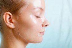 Homemade peel off face mask for all skin types #CleansingMask Face Peel Mask, Acne Face Mask, Clay Face Mask, Peel Off Mask, Face Face, Face Diy, Charcoal Mask Benefits, Charcoal Face Mask, Face Scrub Homemade
