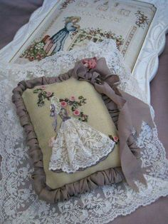 Sachet,made by Svetlana O. Silk Ribbon Embroidery, Vintage Embroidery, Hand Embroidery Patterns, Embroidery Art, Cross Stitch Embroidery, Embroidery Designs, Lavender Bags, Brazilian Embroidery, Ribbon Art