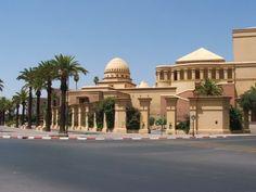 """Ένα ταξίδι στο μαγευτικό Μαρόκο στην πόλη του Μαρακές, γνωστή και ως """"Κόκκινη Πόλη"""" ή """"Αλ Χάμρα""""."""