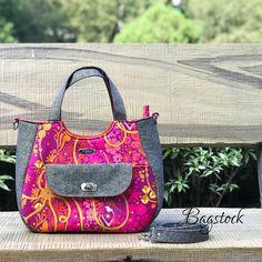 Updates from BagstockDesigns on Etsy Tote Handbags, Tote Bags, Sewing Basics, Pdf Sewing Patterns, Bag Making, Saddle Bags, 3 D, Crossbody Bag, Shoulder Bag