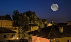 Moon Love Moon, Mansions, House Styles, Home Decor, Decoration Home, Manor Houses, Room Decor, Villas, Mansion
