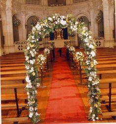 decoracion floral iglesia | Preparar tu boda es facilisimo.