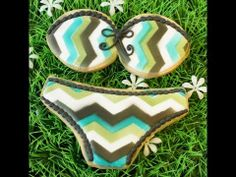 Part 2 of my chevron pattern tutorial - cookie decorating