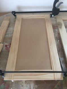 How to Build Cabinet Doors Like a Boss - Honeybear Lane Interested in saving lots of money and having a beautiful house? Learning a little bit of woodworking is important--like how to build cabinet doors. Building Cabinet Doors, Building Kitchen Cabinets, Garage Cabinets, Diy Kitchen Cabinets, Built In Cabinets, Custom Cabinets, How To Build Cabinets, Kitchen Layouts, Kitchen Counters