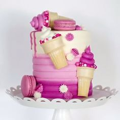 This cake is so perfect for any occasion Credit lovliecakes Cute Cakes, Pretty Cakes, Beautiful Cakes, Amazing Cakes, Sweet Cakes, Food Cakes, Cupcake Cakes, Macaron Cake, Cake Decorating Videos
