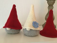 """SÅ er der givet tilladelse fra Järbo om at jeg må oversætte deres opskrift på de populære """"Tykke nisser"""" – og det er da bare virkelig FANTASTISK, hvis jeg skal sige det mildt Jeg kan oplyse om, at... Read More Crochet Christmas Ornaments, Christmas Hat, Christmas Knitting, Christmas Crafts, Crochet Stocking, Crochet Patterns, Knitting Patterns, Scandinavian Christmas, Diy Dress"""