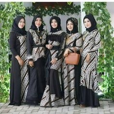Batik Fashion, Abaya Fashion, Muslim Fashion, Muslimah Wedding Dress, Hijab Style Dress, Modest Wear, Modest Dresses, Hijab Fashion Summer, Fashion Outfits