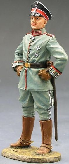 World War 1 German Army FW003 Crown Prince Willie - Made by King and Country Military Miniatures and Models. Factory made, hand assembled, painted and boxed in a padded decorative box. Excellent gift for the enthusiast.