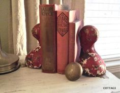 Clawfoot tub feet repurposed into bookends (from 3RingCottage on Junkmarket Style)