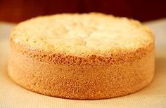 Sponge cake is one of the most basic cake recipes, especially in French pastry… Sponge Cake Recipe From Scratch, Sponge Cake Recipes, Food Cakes, Cupcake Cakes, Cupcakes, Bahamian Food, Basic Cake, Sweet Recipes, Top Recipes